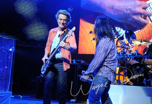 Live concert photography of Journey at Riverbend Music Center in Cincinnati, OH by Wayne Dennon © Dennon Photography
