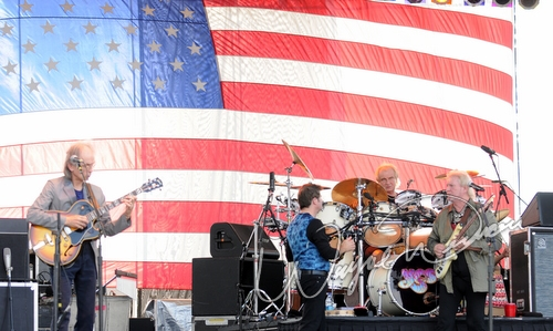 Live concert photography of Yes at Reed Hartman and Glendale Milford Road in Blue Ash, OH by Wayne Dennon © Dennon Photography