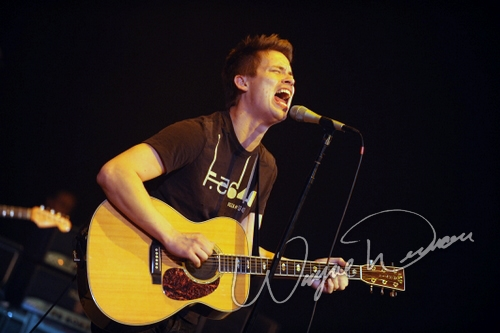 Live concert photography of Jonny Lang at Taft Theatre in Cincinnati, OH by Wayne Dennon © Dennon Photography