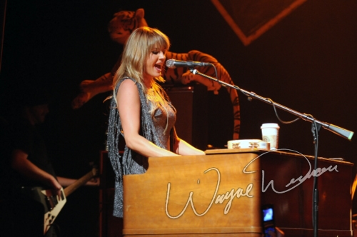 Live concert photography of Grace Potter and the Nocturnals at Madison Theater in Covington, KY by Wayne Dennon © Dennon Photography
