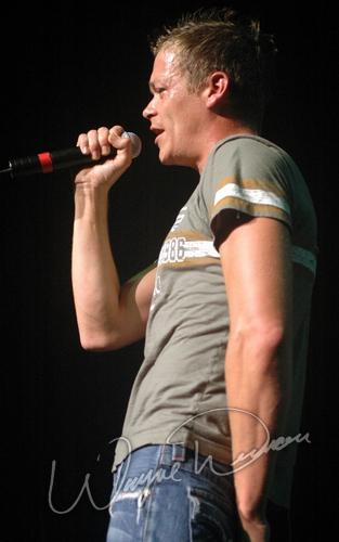 Live concert photography of 3 Doors Down at Riverbend Music Center in Cincinnati, OH by Wayne Dennon © Dennon Photography