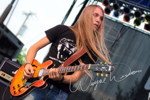 Live concert photography of Nick Sterling at Gibson Custom Shop in Nashville, TN by Wayne Dennon © Dennon Photography