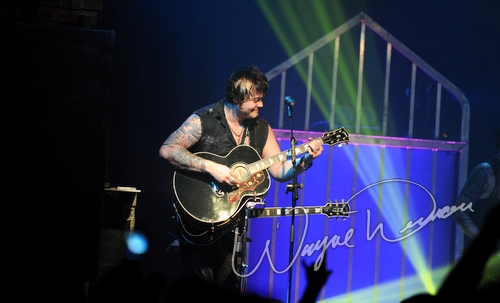 Live concert photography of Hinder at Bogart's in Cincinnati, OH by Wayne Dennon © Dennon Photography