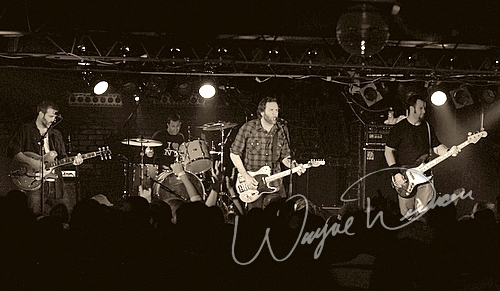Live concerts photographs of Seven Mary Three  at Annie