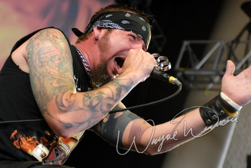 Live concert photography of Hellyeah at Verizon Wireless Music Center in Noblesville, IN by Wayne Dennon © Dennon Photography