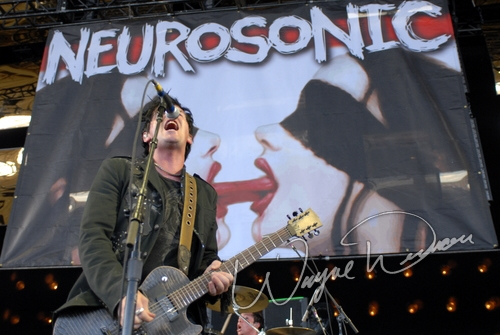 Live concert photography of Neurosonic at Verizon Wireless Music Center in Noblesville, IN by Wayne Dennon © Dennon Photography