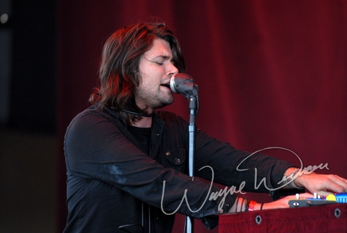 Live concert photography of Taking Back Sunday at Verizon Wireless Music Center in Noblesville, IN by Wayne Dennon © Dennon Photography