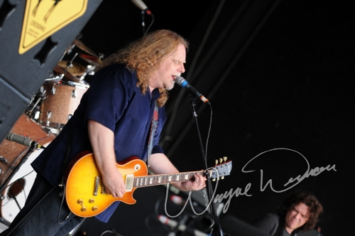 Live concert photography of Government Mule at Fraze Pavilion in Kettering, OH by Wayne Dennon © Dennon Photography